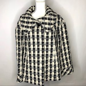 Alfani Black and White Coat Size Small